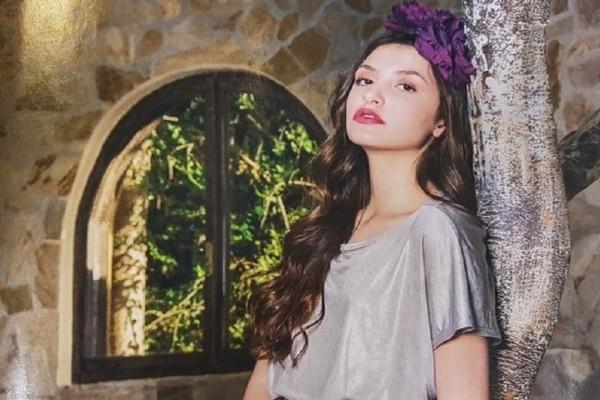 Φαίδρα Θεοδώρα Μαρασλή: Η εντυπωσιακή κόρη της Βάνας Μπάρμπα κλέβει την παράσταση! (Photo)