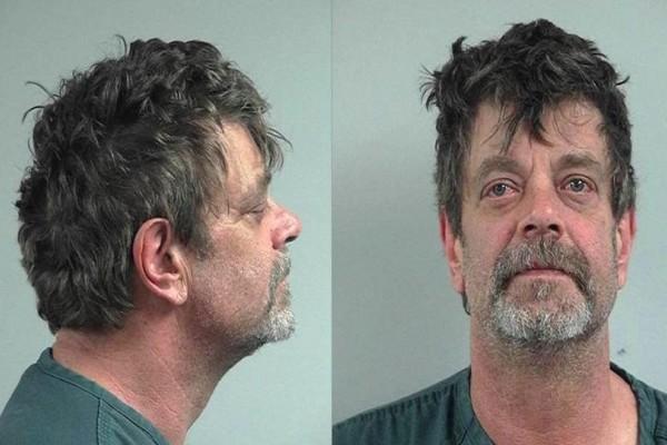 Σοκαριστικό έγκλημα: Άντρας σκότωσε τον 13χρονο γιο του επειδή τον ανακάλυψε με γυναικεία ρούχα!