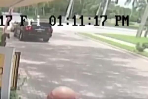 Βίντεο- σοκ! Πα-τέρας εγκατέλειψε στο δρόμο το δύο εβδομάδων παιδί του!