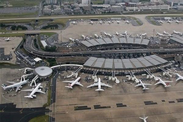 Παρίσι: Εκκενώθηκε τερματικός στο αεροδρόμιο Σαρλ ντε Γκολ- 2.000 άτομα απομακρύνθηκαν (Video)