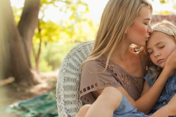 Γιατί μια μάνα να ζητήσει από τον καθηγητή της κόρης της να της ανοίξει το σουτιέν; Μια δυνατή και διδακτική ιστορία
