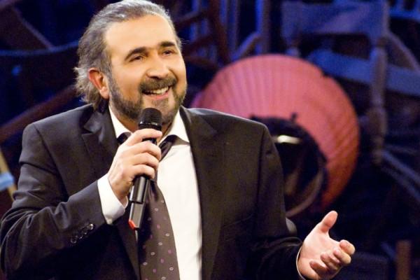 Τι έγραψε ο Λάκης Λαζόπουλος για τον θάνατο του Μίνωα Κυριακού; Λίγα λεπτά αργότερα απέσυρε την ανάρτηση του...