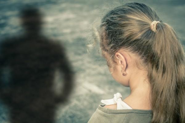 Σοκ! Βενζινοπώλης στα βόρεια προάστια βίασε τις ανήλικες κόρες του φίλου του!