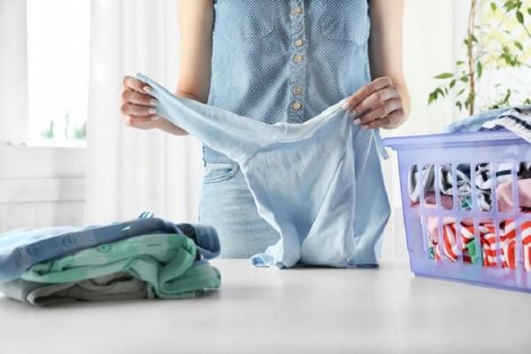Βαριέσαι να σιδερώνεις; - 6 κόλπα για να βγαίνουν τα ρούχα λιγότερο τσαλακωμένα από το πλυντήριο!