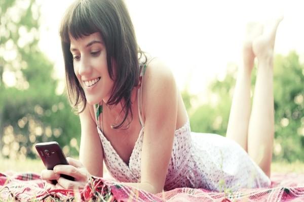 4 συμβουλές για να διατηρήσεις τη θερμοκρασία του κινητού σου το καλοκαίρι σε χαμηλά επίπεδα!