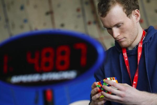 Κύβος του Ρούμπικ: Παγκόσμιο Πρωτάθλημα για την επίλυσή του στην Γαλλία