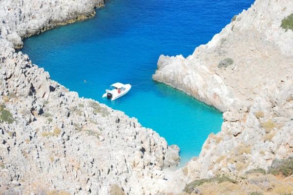 Η άγνωστη παραλία της Ελλάδας που «μαγεύει» όποιον την επισκεφτεί! (Photos)
