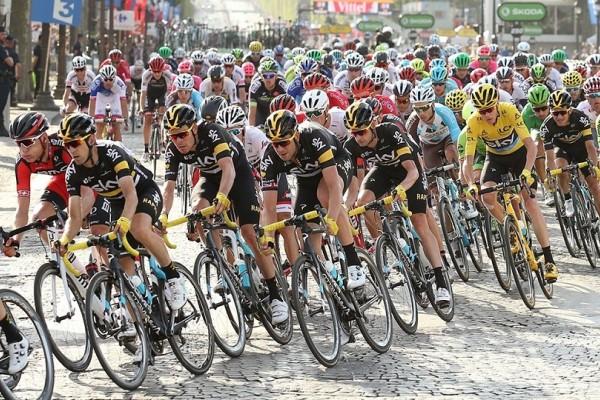 Η φωτογραφία με τον ποδηλάτη που έγινε viral μέσα σε λίγα λεπτά! - Δεν θα πιστεύετε στα μάτια σας!