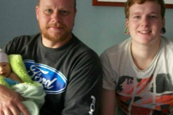 Πατέρας χάνει τον γιο του από ναρκωτικά! Η φωτογραφία που ποστάρει στο Facebook θα σας συγκλονίσει!