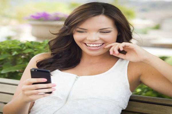 Πρώτες οι Ελληνίδες στο sexting: Το κάνουν από παντού χωρίς να αισθάνονται ντροπή! (video)