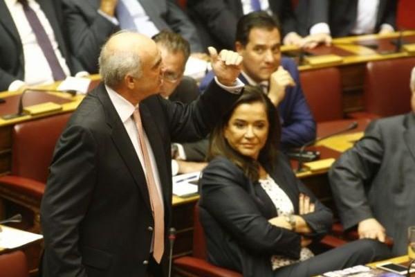 Πανικός στη Βουλή! Άγριος τσακωμός μεταξύ Φίλη - Μιχαλολιάκου και βαριές κουβέντες