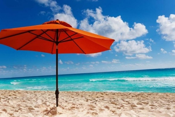 Η ομπρέλα θαλάσσης δεν σας προστατεύει τελικά από τον ήλιο! - Τι αναφέρουν οι ειδικοί