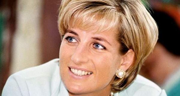 Πριγκίπισσα Νταϊάνα: Όλα όσα δεν ξέραμε όπως τα περιέγραψε εκείνη - Το Sεx,  τα εξανθήματα και οι βιντεοταινίες !