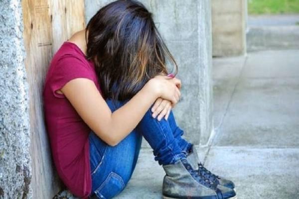 Ανήκουστο: Πατέρας εξέδιδε την 14χρονη κόρη του για το εξευτελιστικό ποσό των 5 ευρώ!