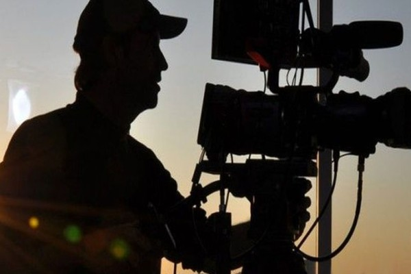 Ρόδος: Το «έπαιζε» γιος πασίγνωστου Έλληνα σκηνοθέτη για να γυρίζει ερωτικές ταινίες!