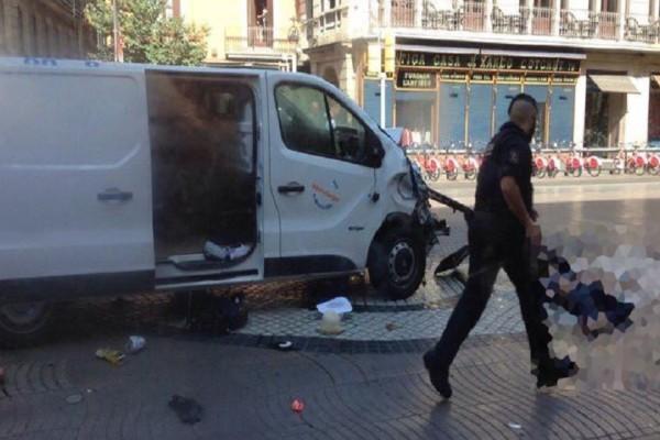 Τρομοκρατία στην Ισπανία: Μια ελληνική οικογένεια ανάμεσα στους τραυματίες - Από 18 χώρες τα θύματα της επίθεσης