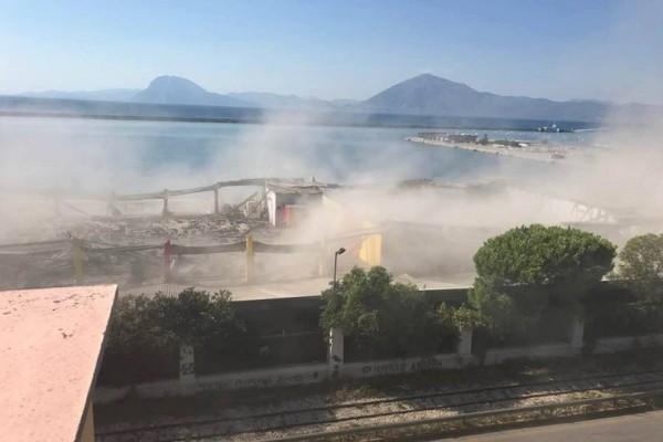 Τραγωδία στην Πάτρα: Ένας νεκρός από κατάρρευση οροφής στο λιμάνι - Έρευνες για εγκλωβισμένους (Photo & Video)