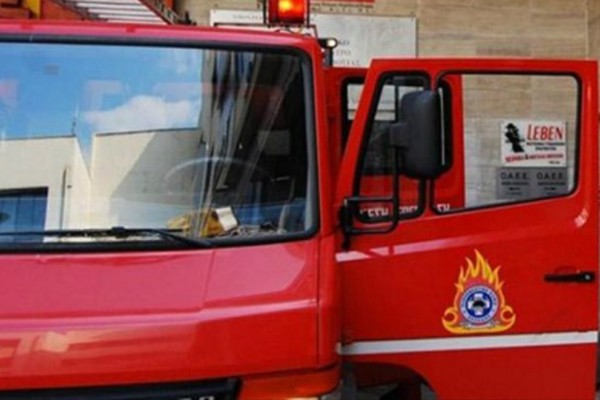 Μεγάλη πυρκαγιά στο Σανταμέρι Αχαΐας- Πλησιάζει κοντά σε μονή