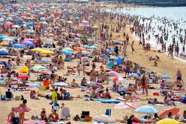 Το κλάμα του αιώνα: Η σημερινή φωτογραφία από παραλία της Ελλάδας που έχει προκαλέσει χαμό στο διαδίκτυο εδώ και λίγα λεπτά!