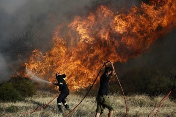 Συμβαίνει τώρα: Σε εξέλιξη πυρκαγιά σε πολύ γνωστή τουριστική περιοχή της χώρας - Το μήνυμα της Πυροσβεστικής!!!