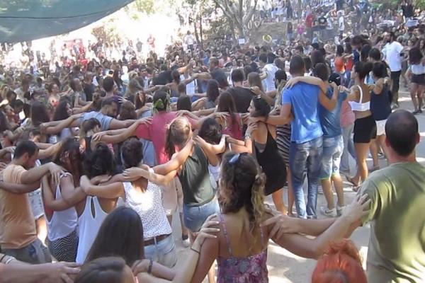 Τα πανηγύρια του Δεκαπενταύγουστου: Από την Ικαρία μέχρι τη Νίσυρο, την Σέριφο, την Θάσο και την Πάρο! - Όλη η Ελλάδα γλεντά!