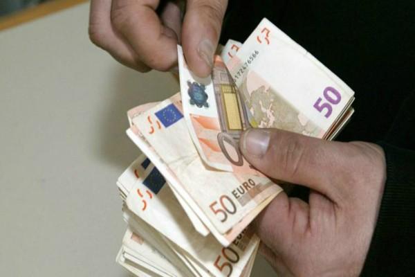 Αναδρομικό «ραβασάκι» για πάνω από 200.000 άτομα – Ποιοι και πόσα θα πληρώσουν