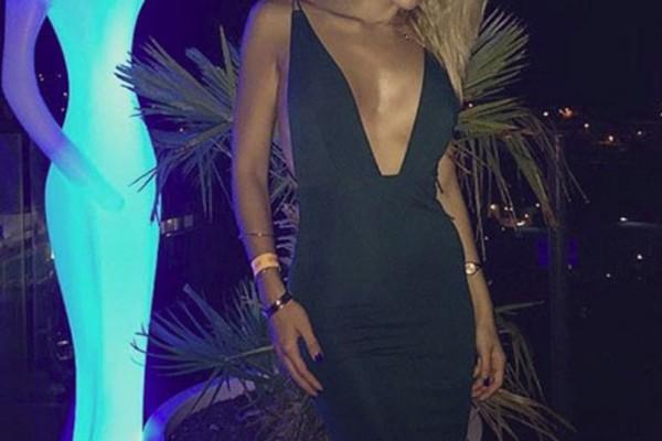 Κορμί... λαμπάδα διαθέτει η πασίγνωστη Ελληνίδα παρουσιάστρια! «Ρίχνει» το Instagram με τα κάλλη της