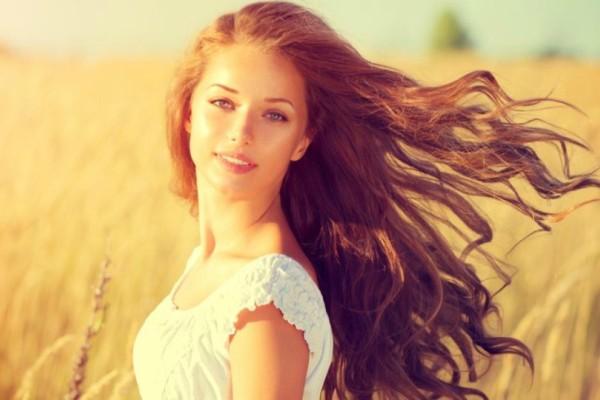 7 tips για τέλεια μαλλιά στο λεπτό. Ακόμα και στις διακοπές!