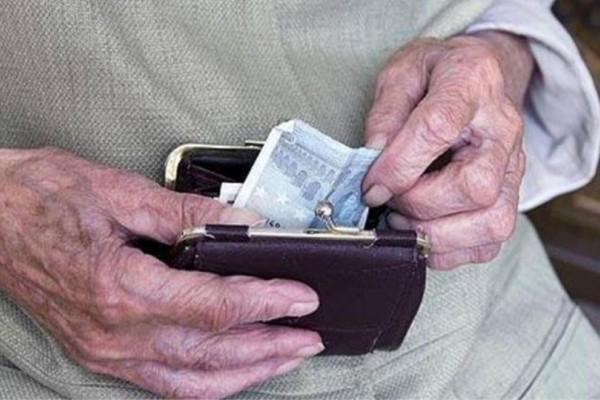 «Παραθυράκι» για όσους θέλουν να βγουν σε σύνταξη στα 62! Τι προβλέπεται;