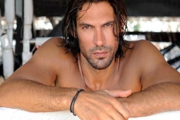 Ποιος γνωστός Έλληνας δήλωσε: «Αν ήμουν ο… Σφαλιάρας, θα έκανα γυμνή φωτογράφιση!» (Photo)