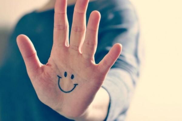 Εσύ το ήξερες; Αν πιέσεις τα δάχτυλα σου σε αυτό το σημείο θα «ξυπνήσει» ο μεταβολισμός σου και θα χάσεις βάρος!