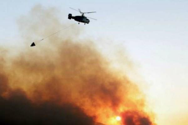 Σοκ στην πυρκαγιά στην Ανάβυσσο! Τραυματίες πυροσβέστες- Κάηκαν ένα σπίτι και ένα ολόκληρο πυροσβεστικό όχημα (Photos)