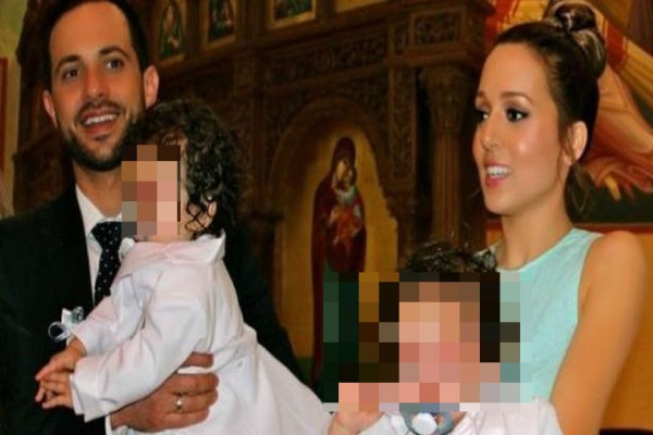 Οι πρώτες φωτογραφίες από την βάφτιση της κόρης της Καλομοίρας! Στο μυστήριο με φουσκωμένη κοιλιά η Χρουσαλά!