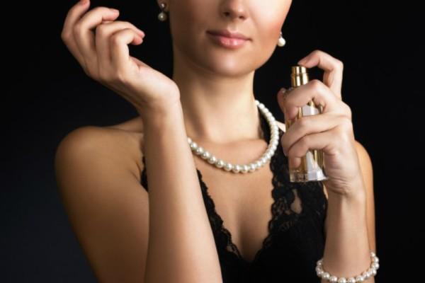 Πως θα μυρίζεις όμορφα όλη μέρα με ένα και μόνο κόλπο χωρίς να βάλεις άρωμα!