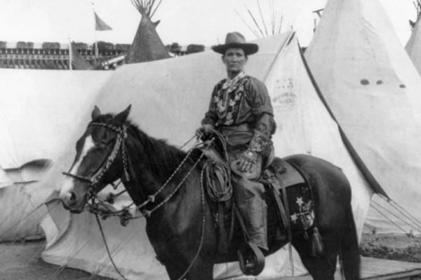 Καλάμιτι Τζέιν: Η γυναίκα που πέτυχε να φτιάξει τους δικούς της νόμους στην Αγρια Δύση (Photos)