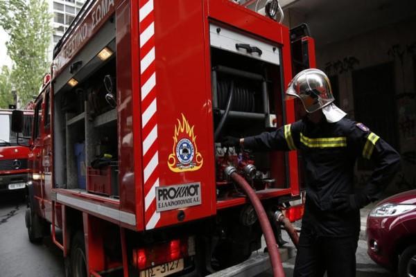 Φωτιά στην Πετρούπολη: Σε κρίσιμη κατάσταση πατέρας και κόρη - Με αίματα στο πρόσωπο εντοπίστηκε η κοπέλα! Τι ερευνά η ΕΛΑΣ