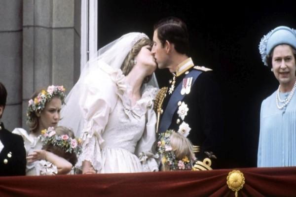 Όταν η Πριγκίπισσα Νταϊάνα έπιασε στις τουαλέτες τον Κάρολο να κάνει τηλεφωνικό με τον Καμίλα!