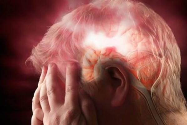 Προειδοποιητικά σημάδια που στέλνει το σώμα μας ένα μήνα πριν το εγκεφαλικό!