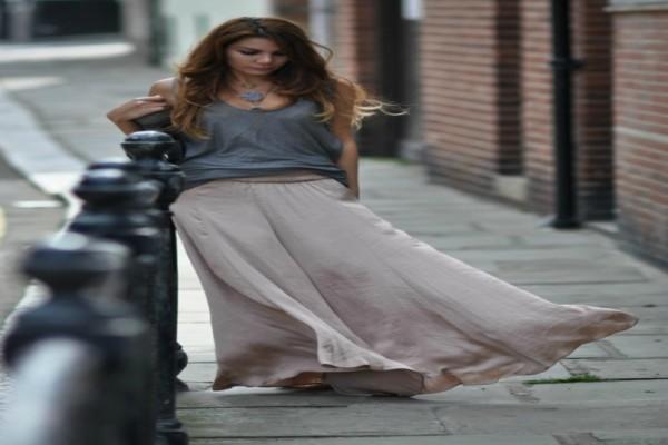 H φούστα του φετινού καλοκαιριού έχει έναν αέρα vintage...