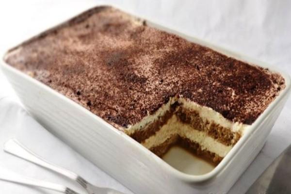 Πεντανόστιμο τιραμισού με σοκολάτα από την Αργυρώ Μπαρμπαρίγου
