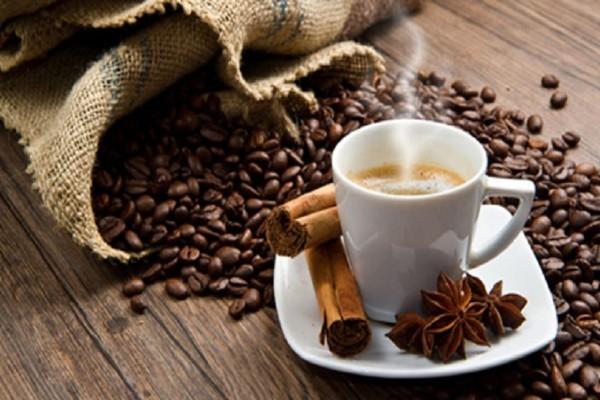 Αυτός είναι ο λόγος δεν πρέπει να πίνεις τον καφέ σου με ζάχαρη και γάλα! - Εσύ το γνώριζες;