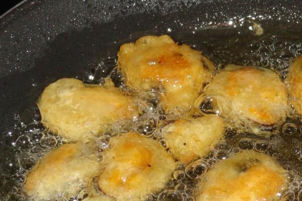 Λάδι για τηγάνισμα: Τι ισχύει με το ελαιόλαδο και τα άλλα λάδια – Ποια να προσέχετε