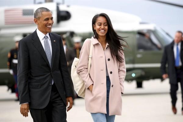 Αυτή η συμπεριφορά σίγουρα δεν αρμόζει σε κόρη πρώην προέδρου: Γιατί η Μαλία Ομπάμα χτυπιέται στα πατώματα; (video)