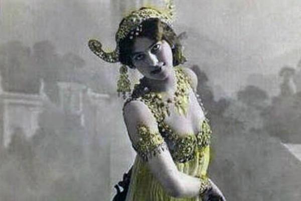 Μάτα Χάρι: Η ιστορία της χορεύτριας που έγινε κατάσκοπος και εκτελέστηκε ως πράκτορας!