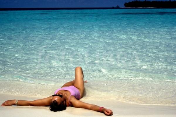 Ήξερες ότι μπορείς να μαυρίσεις χωρίς να βγεις στον ήλιο ή να κάνεις σολάριουμ;