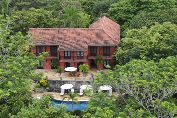 Αυτό το σπίτι θα το θέλαμε όλοι: Ανήκει σε πολύ γνωστό ηθοποιό και εμείς απλώς το ζηλεύουμε!!! (video)