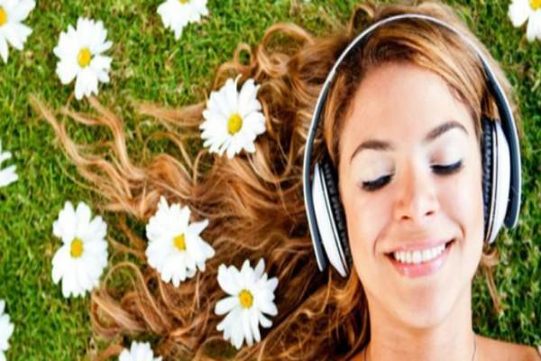 Οι playlists που θα κάνουν την ρουτίνα ομορφιάς σου...ιεροτελεστία! (video)