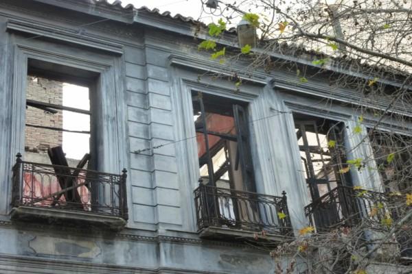 Άλλο ένα τραγικό επακόλουθο της κρίσης: Η Αθήνα γίνεται πόλη φάντασμα, αφού εγκαταλείπονται όλα τα νεοκλασικά κτίρια, σύμφωνα με το AFP!