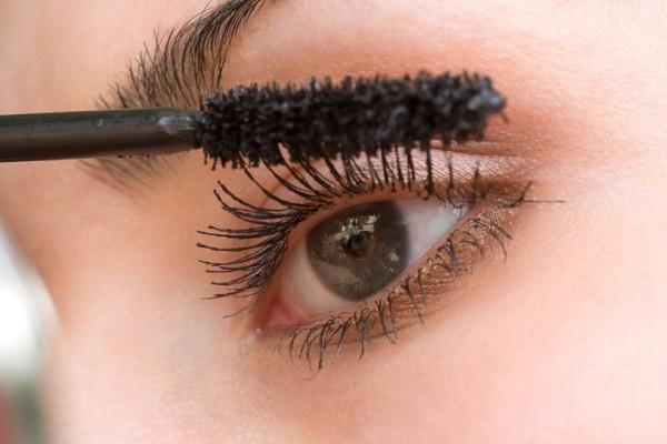 Ένα τέλειο tip για να κάνεις την μάσκαρα σου να μοιάζει σαν καινούρια!