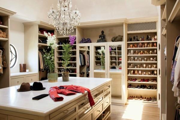 Αυτό το προϊόν κοστίζει μόνο 5€ και θα σώσει τη ντουλάπα και τα ρούχα σου! (photo)